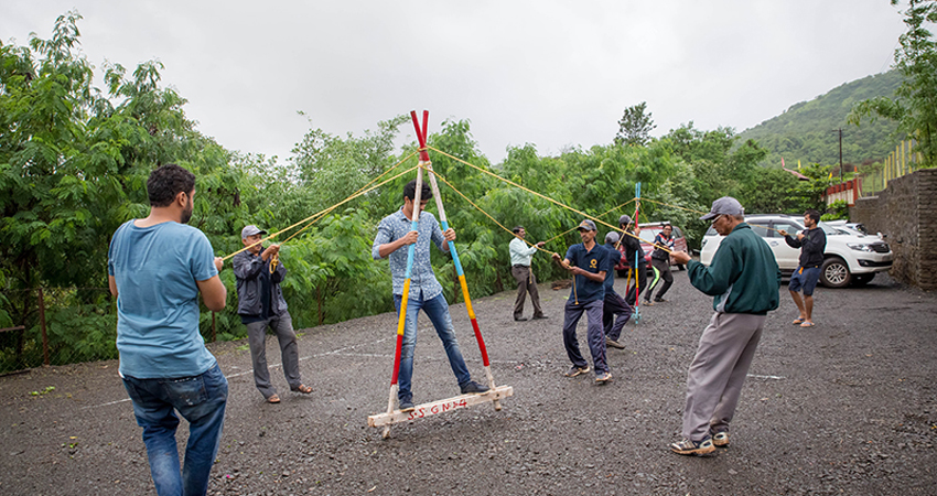 A frame walk - Team Building