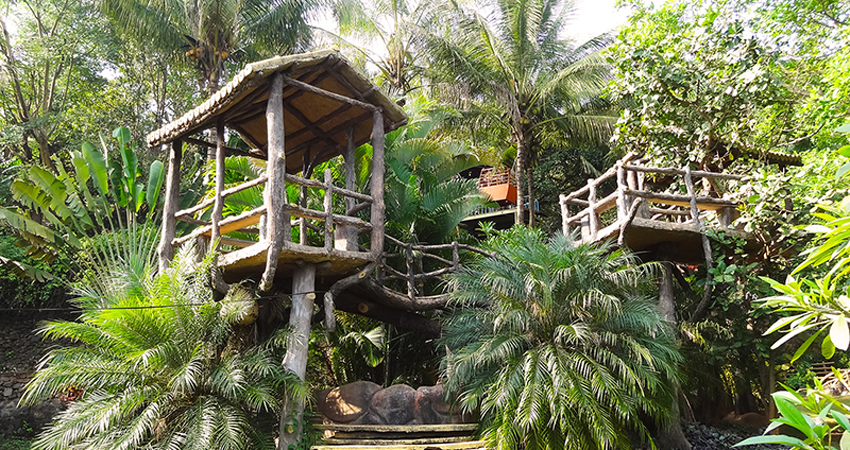 Gajebo Bamboo-House